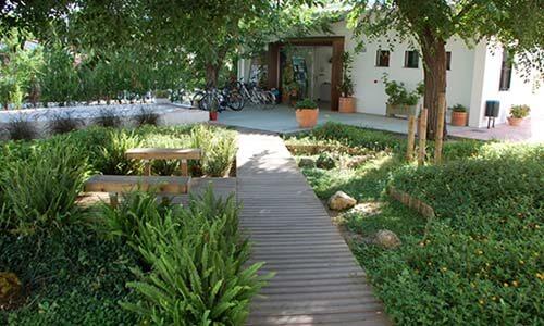 vacaciones alternativas en huelva jardin hotel