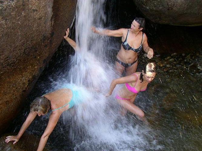 tres mujeres de vacaciones alternativa naturaleza de Gredos