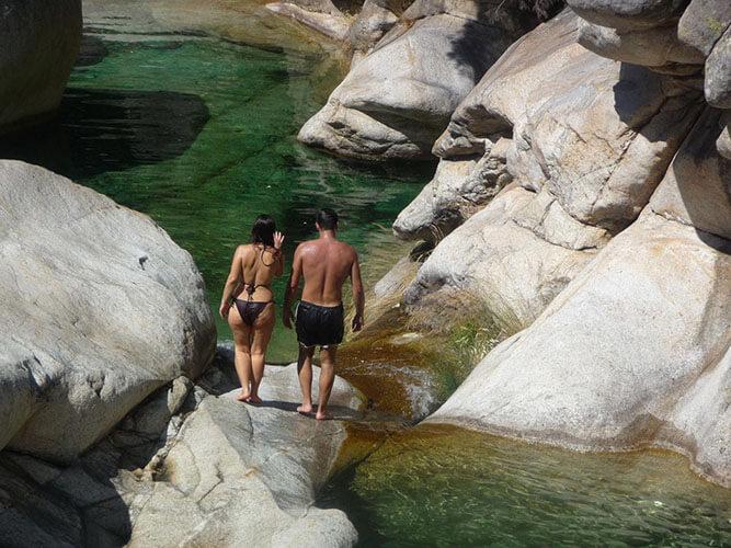vacaciones alternativas gredos naturaleza pareja