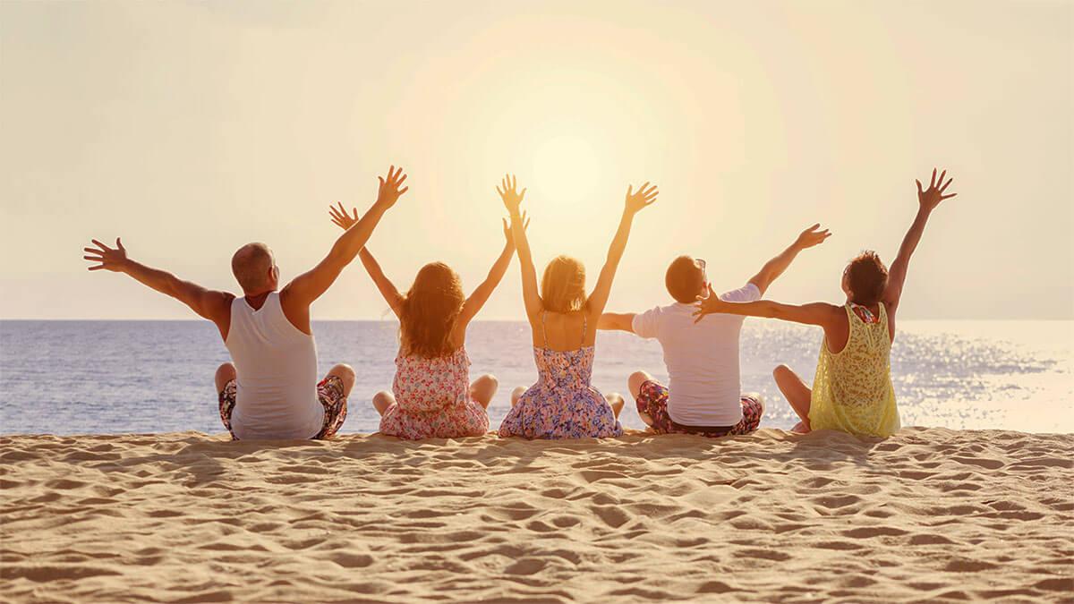 vacaciones alternativas en la playa en verano