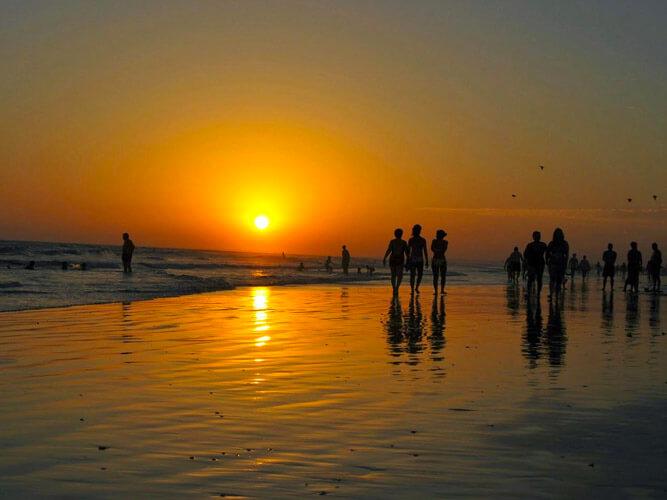 fotos vacaciones alternativas playa puesta de sol